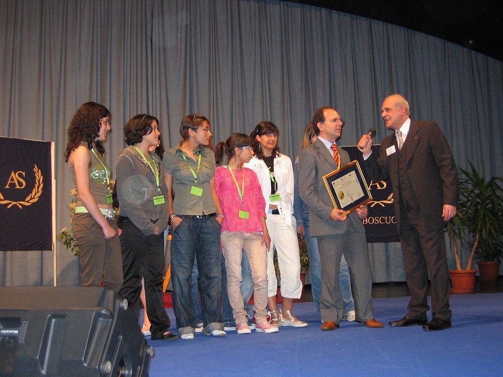 Premiazione Giornalista per un Giorno alla scuola media di Padula